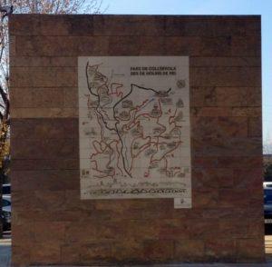 El mural del CEM es troba a la plaça de la Llibertat cantonada amb el carrer Molí // Laura Herrero