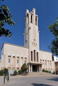 Parròquia de Sant Miquel Arcàngel a la plaça de l'Església de Molins de Rei // Parròquia de Sant Miquel
