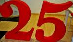 Les xifres de l'aniversari acompanyaran els diables durant tot el 2014. // Elisenda Colell