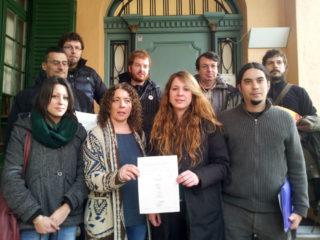Imatge dels càrrecs electes que han portat la declaració / Plataforma de càrrecs electes contra la pujada de preus al transport públic