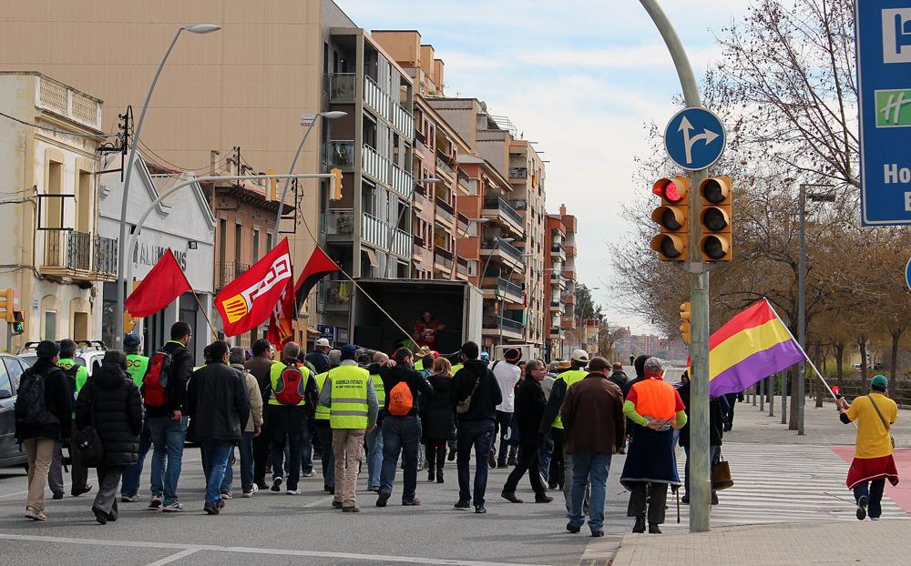 La Marxa en el moment d'enfilar cap a Sant Feliu de Llobregat // Jose Polo