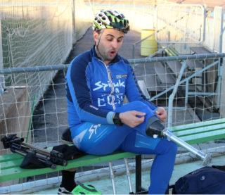 Santi Prat acaba de preparar-se abans d'un entrenament // Jose Polo
