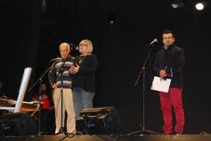 Vicenç Fernández, Maribel Rodríguez i Walter González, durant la presentació del concert // Alena Arregui