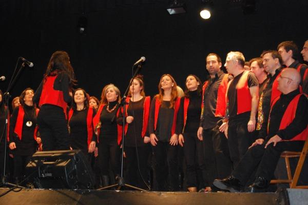 El grup 'Gospel Feelings' durant la seva actuació // Alena Arregui