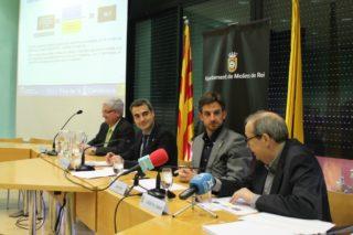 El regidor de Fira, Joaquim Martí, l'alcalde, Joan Ramon Casals, el primer tinent d'alcalde, Xavi Paz, i el responsable de l'estudi, Josep Maria Camps, han presentat l'impacte econòmic de la Fira en roda de premsa // David Guerrero