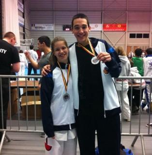 Cupons i García amb les seves medalles de plata // Taro Tae