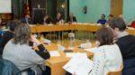 El Consell de Seguiment de la Crisi es va reunir a la sala de plens per fer una valoració de les accions realitzades // Ajuntament de Molins de Rei