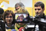 Jordi Romeu (al fons) ja va passar a un segon pla durant la visita d'Anna Simó a la passada Fira de la Candelera // David Guerrero