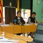 El primer tinent d'alcalde, Xavi Paz, l'alcalde, Joan Ramon Casals, i el regidor de Finances, Miguel Zaragoza, van presentar la liquidació del pressupost 2013 en roda de premsa // David Guerrero