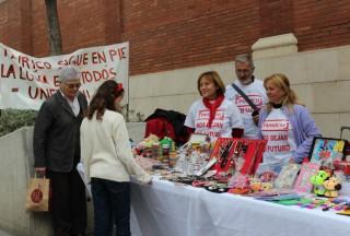Els treballador de Panrico a la plaça del Mercat de Molins de Rei // Jose Polo