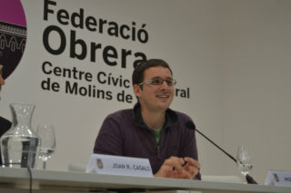 Miquel Burgés, president i cap de colla, va agraïr als geganters la feina feta, i el compromís d'aquest any. // Elisenda Colell