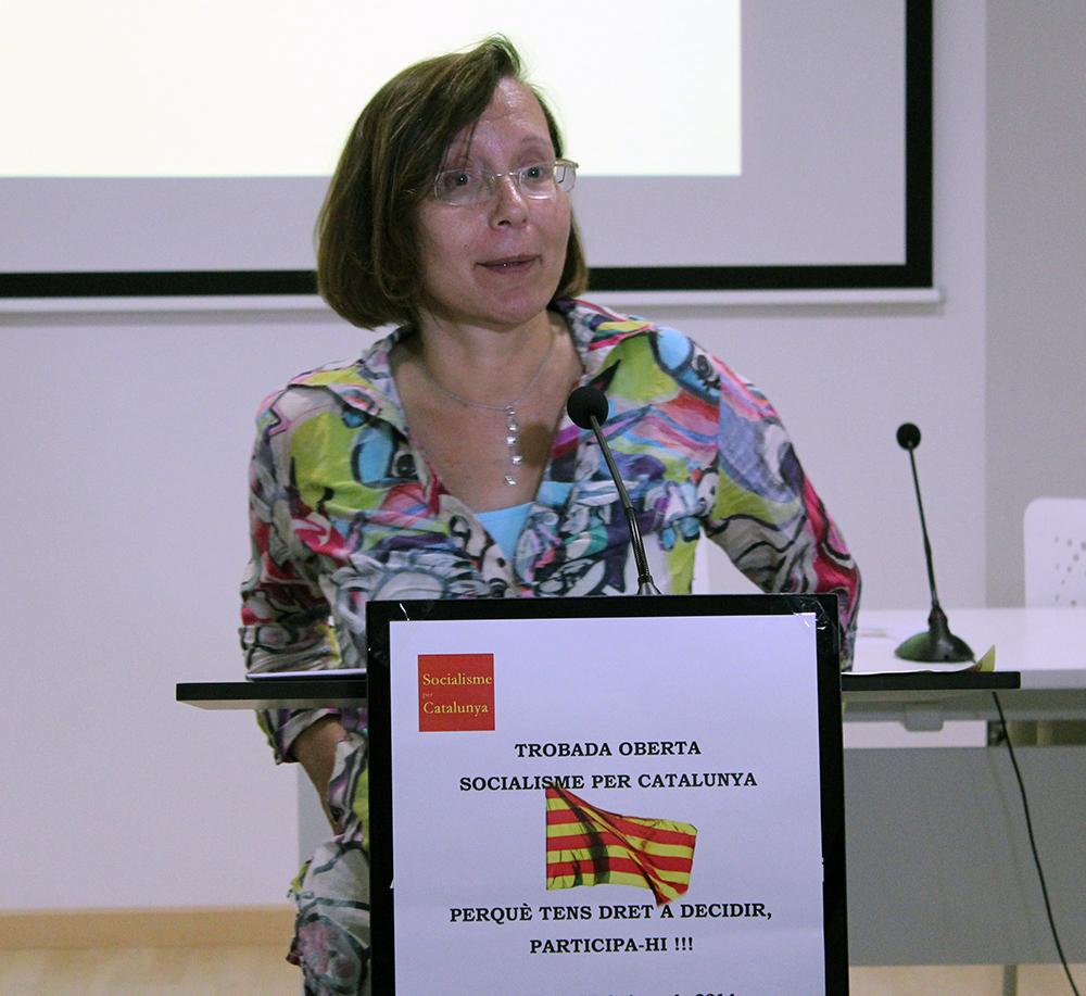Montserrat Tura durant la seva intervenció a la Federació Obrera // Jose Polo