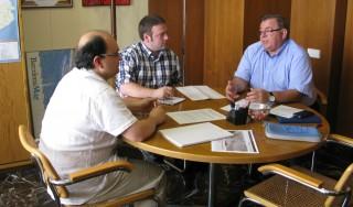 Sergi Conde i Lluís Carrasco durant una de les reunions mantingudes amb el responsable de mobilitat del grup metropolità d'ICV-EUiA-EPM // Iniciativa