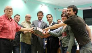 Els portaveus de les formacions polítiques amb De Hoyos durant el ple // Jose Polo