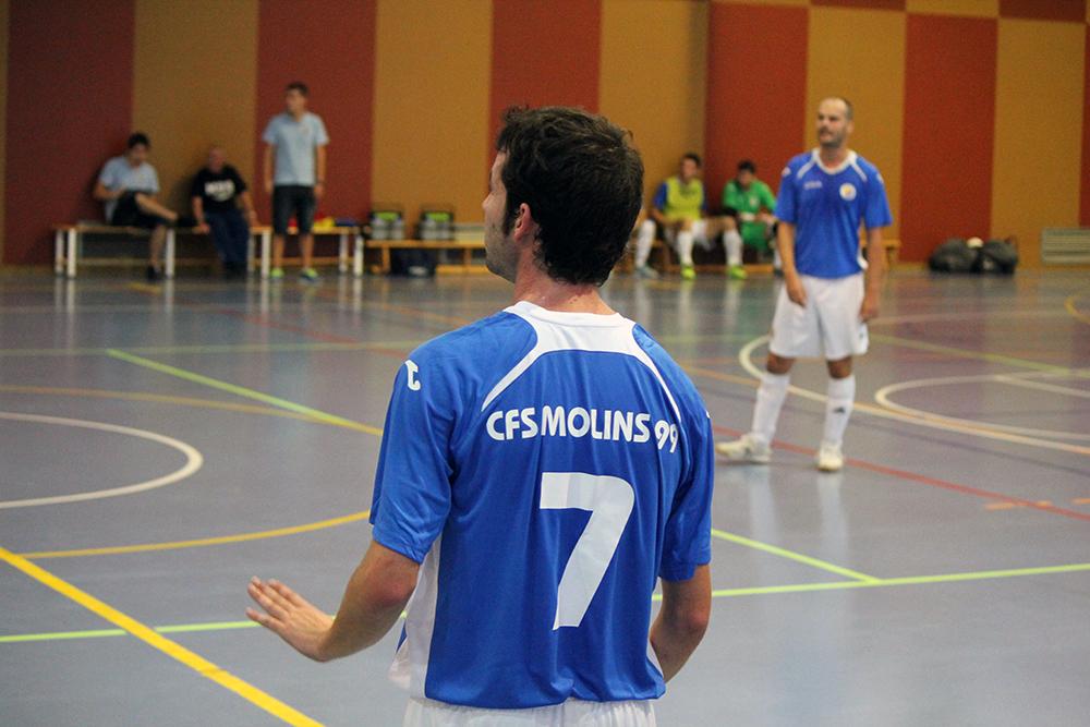 Ivan Rodríguez, autor del gol de la victòria, demana calma als seus companys // Jose Polo