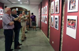L'exposició consta de diferents fotografies i es pot veure a l'Agrupa // Jose Polo