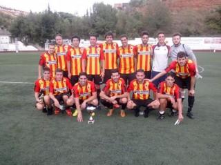 El nou equip del Molins després d'un partit de pretemporada // Molins de Rei CF