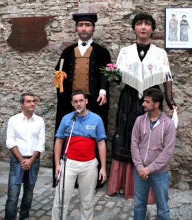 L'alcalde, Joan Ramon Casals; el cap de colla dels gegants, Miquel Burgès; i el primer tinent d'alcalde, Xavi Paz, van presidir la inauguració // Jordi Julià