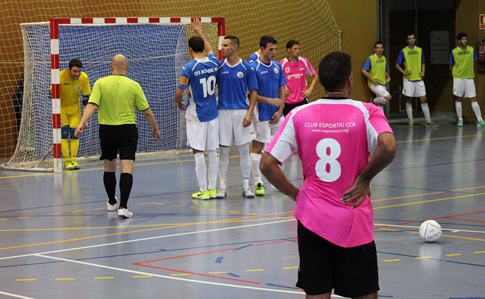 El CCR busca el gol en una acció d'estratègia // Jose Polo