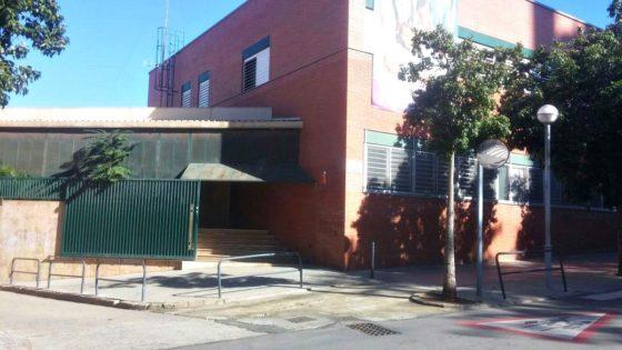 Entrada al col·legi Sant Miquel Manyanet Molins // Jose Polo