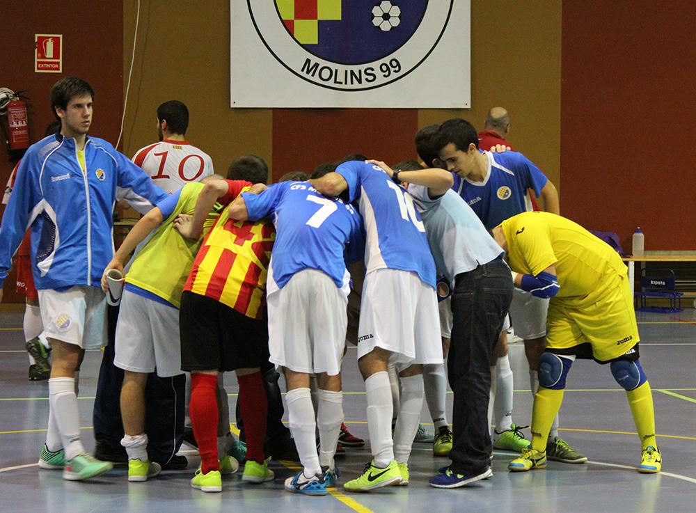 El CFS Molins 99, després del partit, celebrant la victòria // Jose Polo