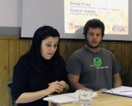 Isabel Vallet (CUP) i Sergi Frau (SEPC) al casal La Barrina // Jose Polo