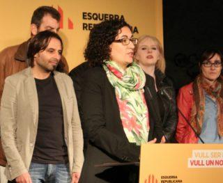 Marta Rovira va fer un discurs en clau nacional abans de cedir la paraula a la candidata d'ERC Molins de Rei, Silvia Guillén // David Guerrero