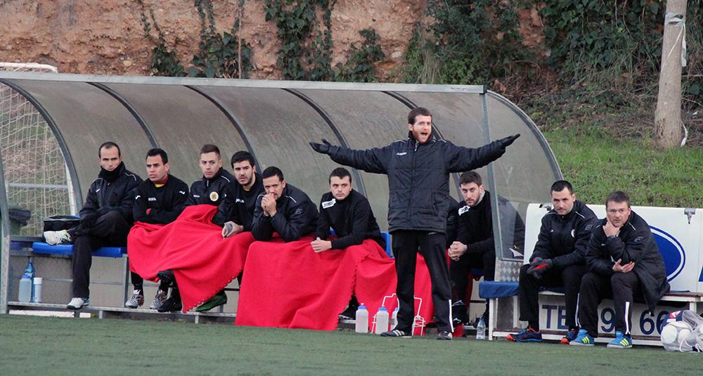 Joan Garcia dóna instruccions als seus jugadors // Jose Polo