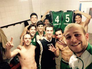 """Després de cada victòria, l'equip penja una """"selfie"""" de la celebració // CE Molins de Rei"""