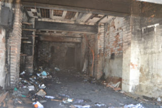 El garatge ha estat, sens dubte, la zona més afectada de l'immoble // Elisenda Colell
