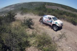 Xavi Foj superant la penúltima jornada del Dakar // Foj Motorsport Coopertires