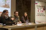 Alfred Solsona acompanyat de Pilar Millàn i Clara Vidal durant la presentació de l'estudi // Ajuntament de Molins de Rei