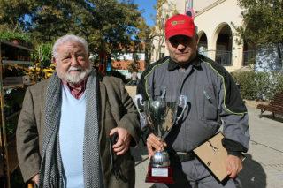 L'Àngel Duran i el seu fill recollint el primer premi // Jose Polo