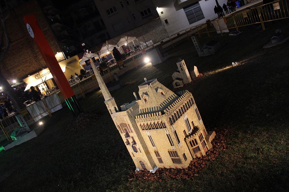 Les figures de Catalunya en Miniatura llueixen al pati del Palau // Jose Polo