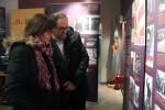 Sílvia Guillén acompanyada de Quim Torra durant la inauguració de l'exposició sobre Companys // Jose Polo