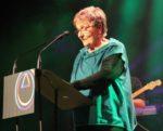 Anna Maria Margarit va llegir un discurs ben preparat al rebre el premi Molinenca d'Honor // David Guerrero