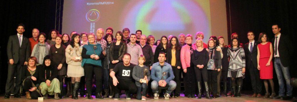 Foto de familia dels guanyadors , finalistes i jurat dels Premis Ràdio Molins de Rei 2014 // David Guerrero