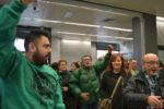 Els activistes, celebrant la victòria // Elisenda Colell