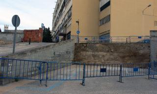 L'accés de vehicles al trànsit està tallat per Poeta Mateu Janés // Jose Polo