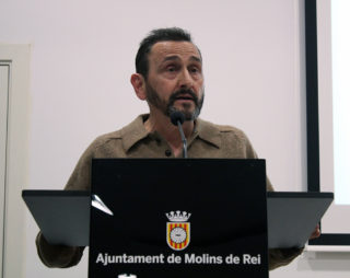 Raul Vaos, el candidat d'Equo, durant els seu discurs // Jose Polo