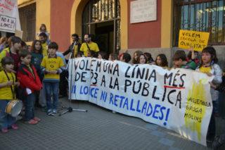 Imatge de la manifestació, organitzada per l'Assemblea Groga, el dijous 26 de març // Elisenda Colell