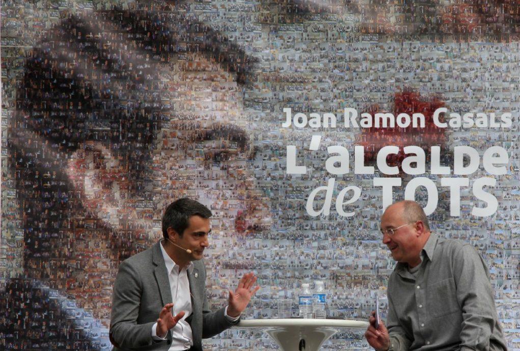 Joan Ramon Casals i Lluís Vinyets durant l'acte de presentació de Casals com a candidat // David Guerrero