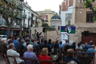 Un centenar de persones aproximadament es van reunir a la Plaça de la Creu // Jose Polo