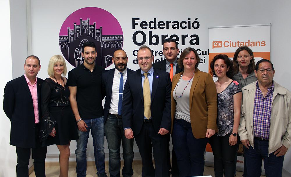 L'equip de Ciutadans Molins de Rei acompanyats de Jordi Cañas // Jose Polo