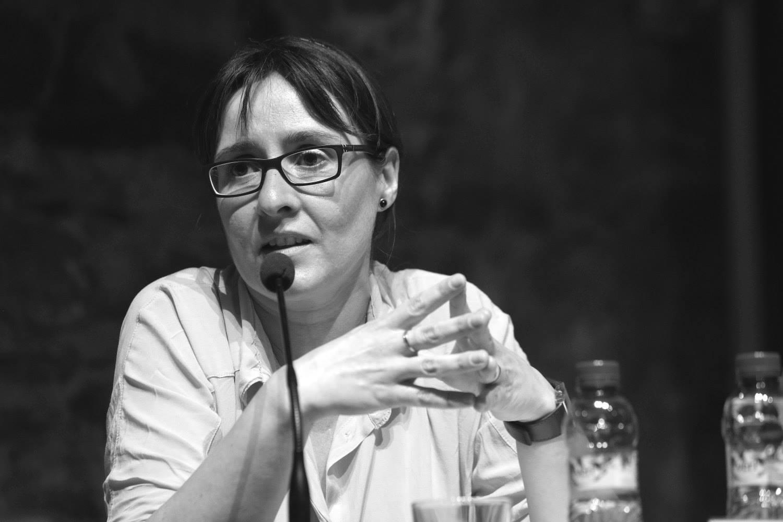 Sílvia Guillén retratada durant un debat electoral // Guillem Urbà