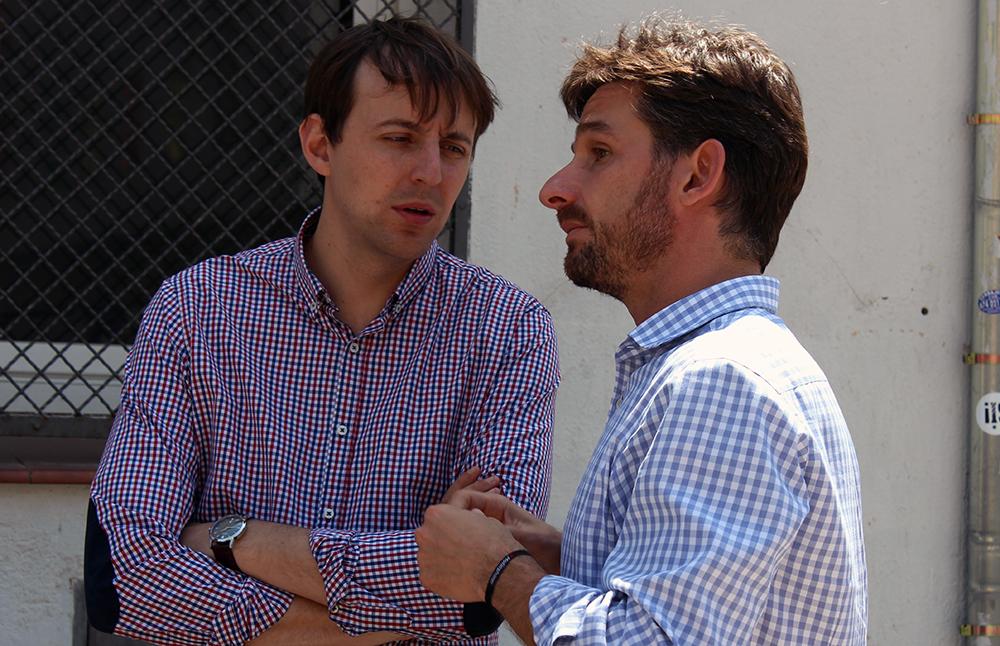 L'eurodiputat Javi López (esquerra) acompanya el candidat del PSC, Xavi Paz (dreta) // Jose Polo