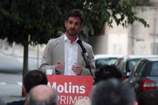 Xavi Paz durant el miting d'inici de campanya al carrer Riera Mariona // Jose Polo
