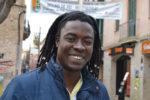 Boubacar Diallo, viu a Molins de Rei, on intenta buscar feina per deixar de viure de la ferralla // Elisenda Colell