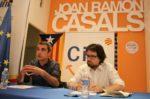 Joan Ramon Casals i Ricard Font durant la xerrada al local de Convergència // David Guerrero