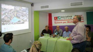 Lluís Carrasco explicant el projecte de perllogament del Trambaix acompanyat dels candidats dels municipis afectats // David Guerrero